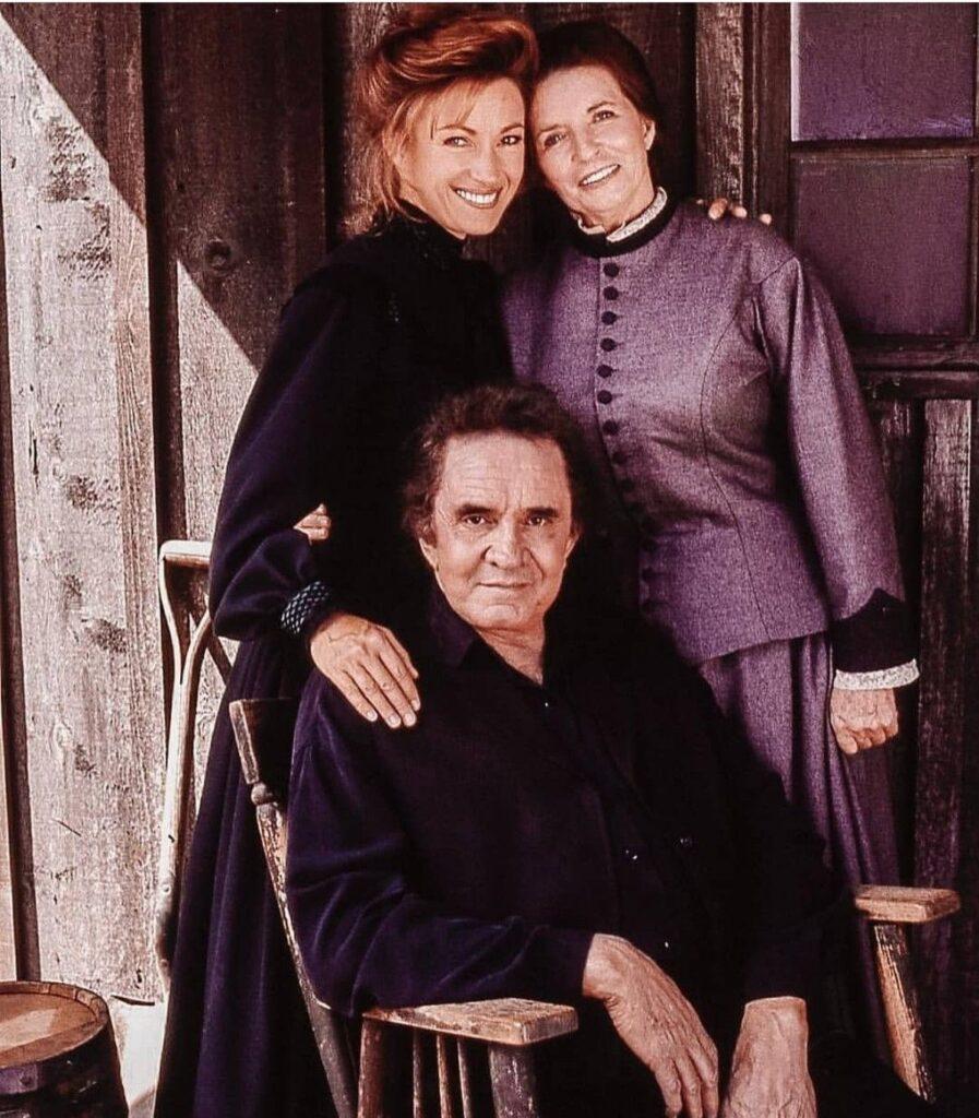 Johnny Cash e June Carter assieme all'attrice Jane Seymour in Medicine Queen (La Signora del West) - web