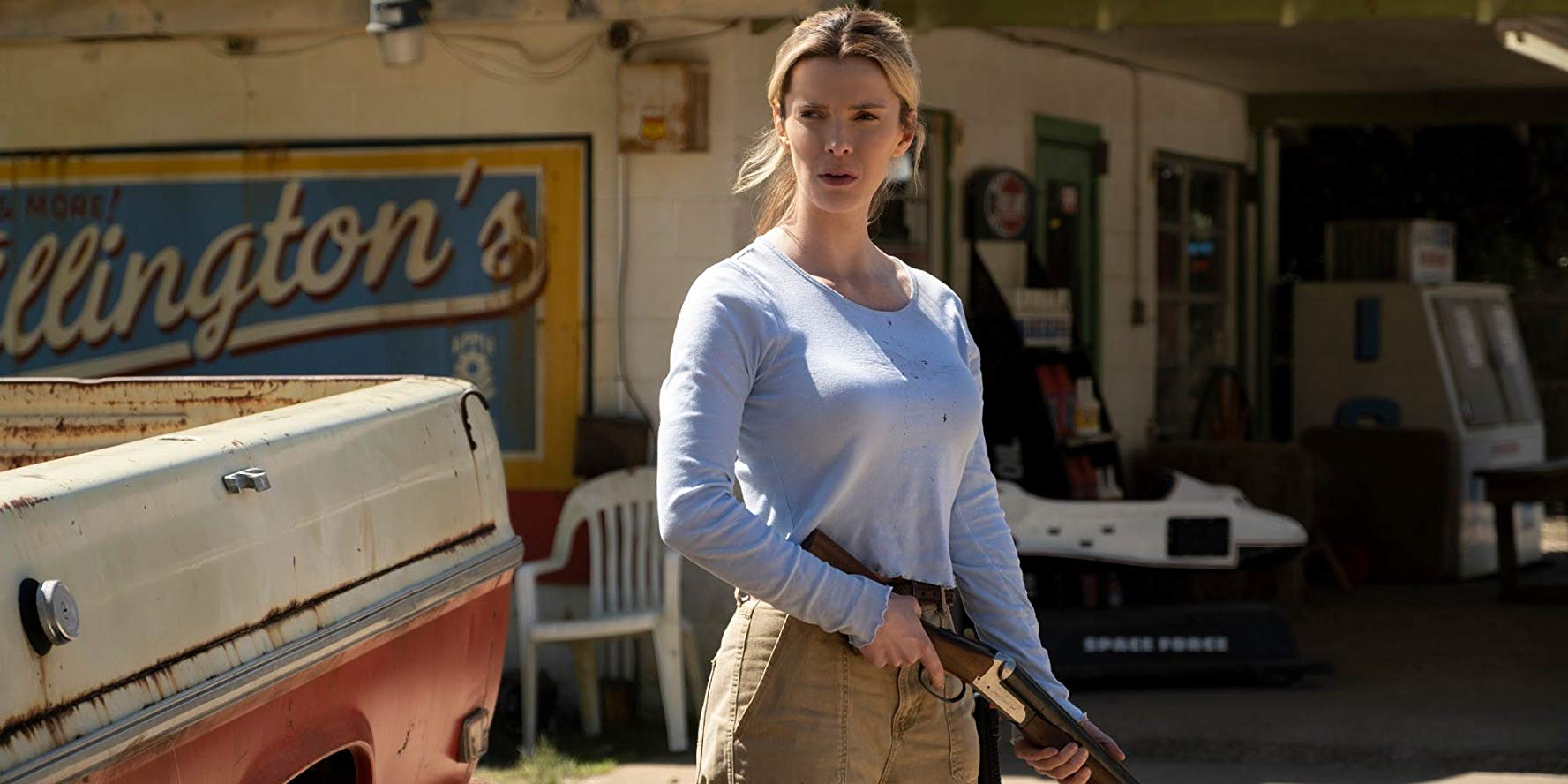 Betty-Gilpin-in-The-Hunt-film-2019