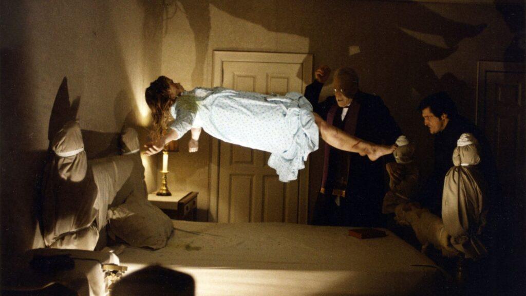 Frame tratto dal film horror L'esorcista (The Exorcist) , in streaming su Netflix