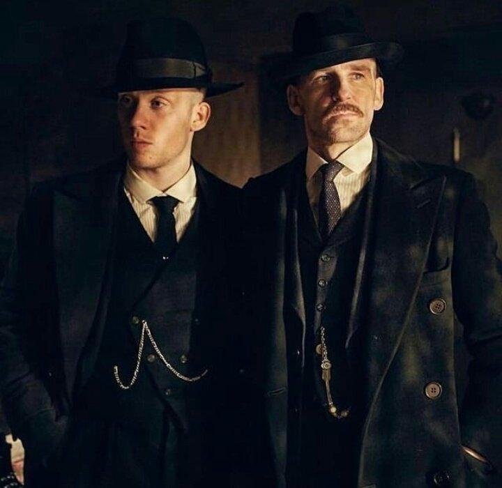 Joe Cole e Paul Anderson in Peaky Blinders -CREDITS: web