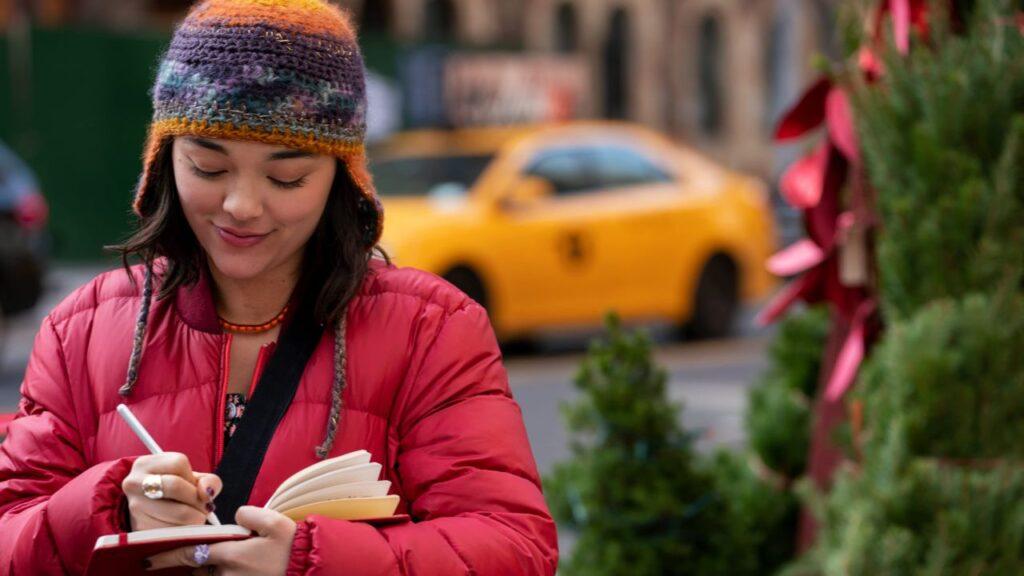 Midori Francis (Lily) in Dash & Lily - credits: Netflix