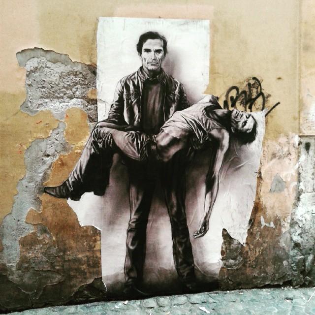 La Pietà secondo Pasolini, uno splendido graffito apparso sui muri di Roma - Credits: web