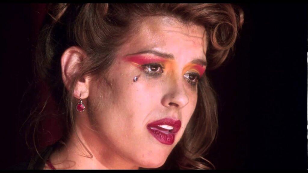Rebekah del Rio sul palco del Club Silencio . Mulholland Drive, David Lynch - Credits: web
