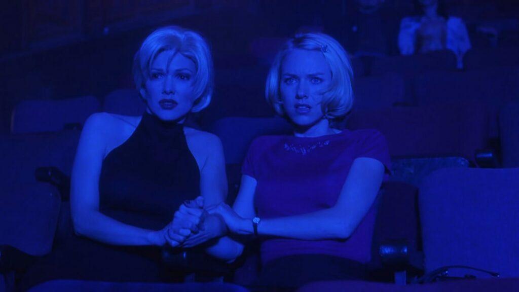 Mulholland Drive: le due protagoniste-spettatrici siedono al Club Silencio - Credits: web