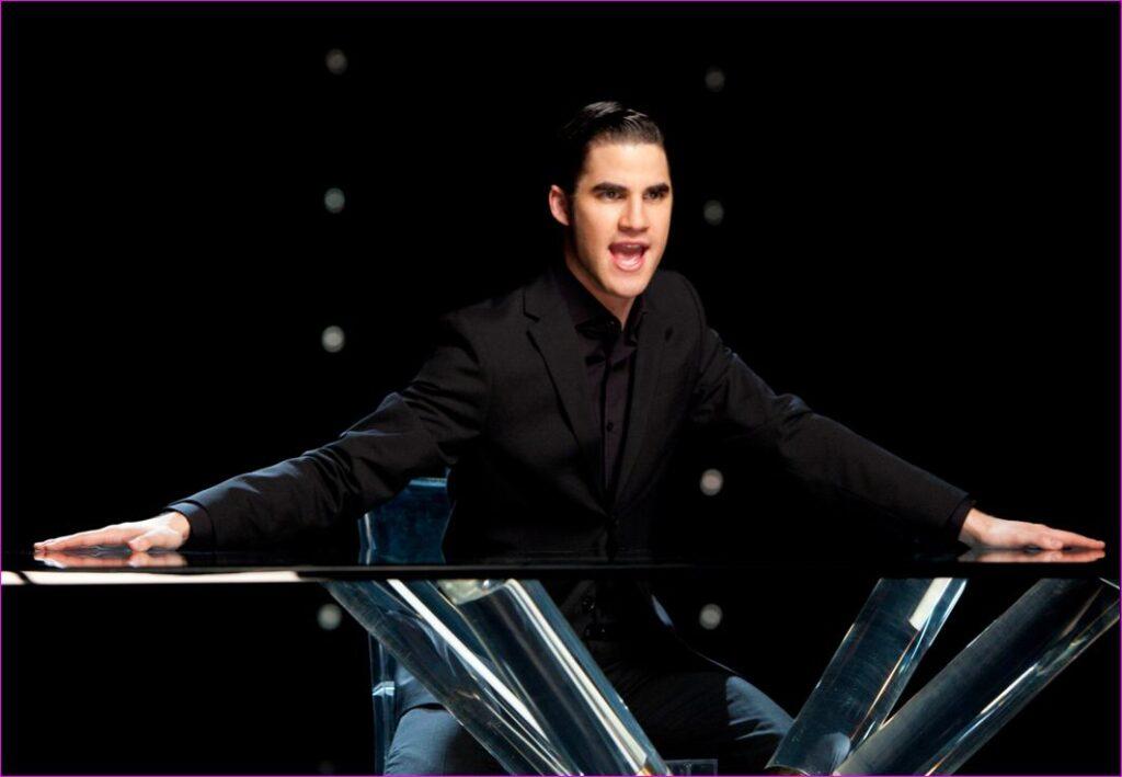 Darren Criss (Blaine) - It's not right but it's okay - Glee 3x17