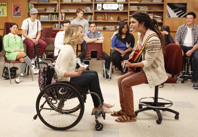 Dianna Agron (Quinn) e Samuel Larsen (Joe) - Glee 3x17