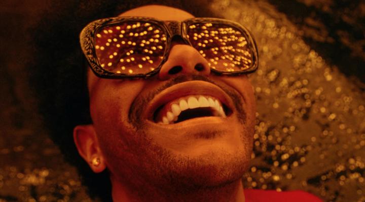 The Weeknd (Abel Tesfaye) nel videoclip di Blinding Lights