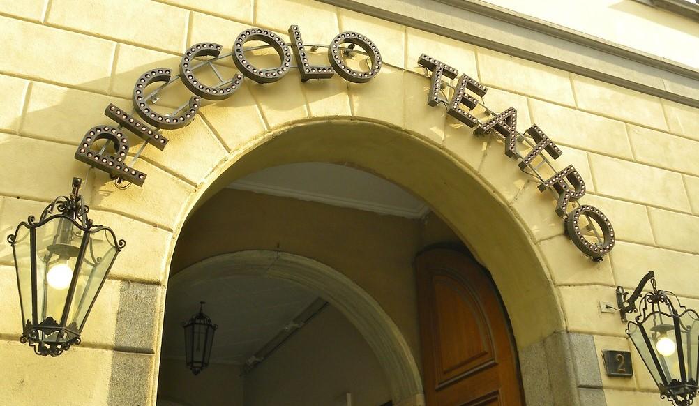 Occupazione Piccolo Teatro - In copertina: