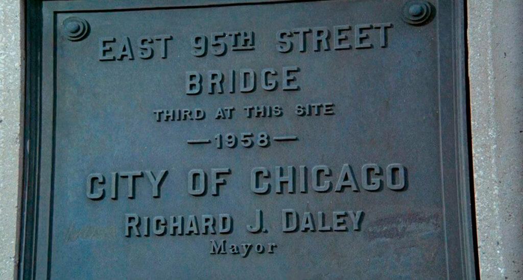 La targa sul 95th Street Bridge, Chicago
