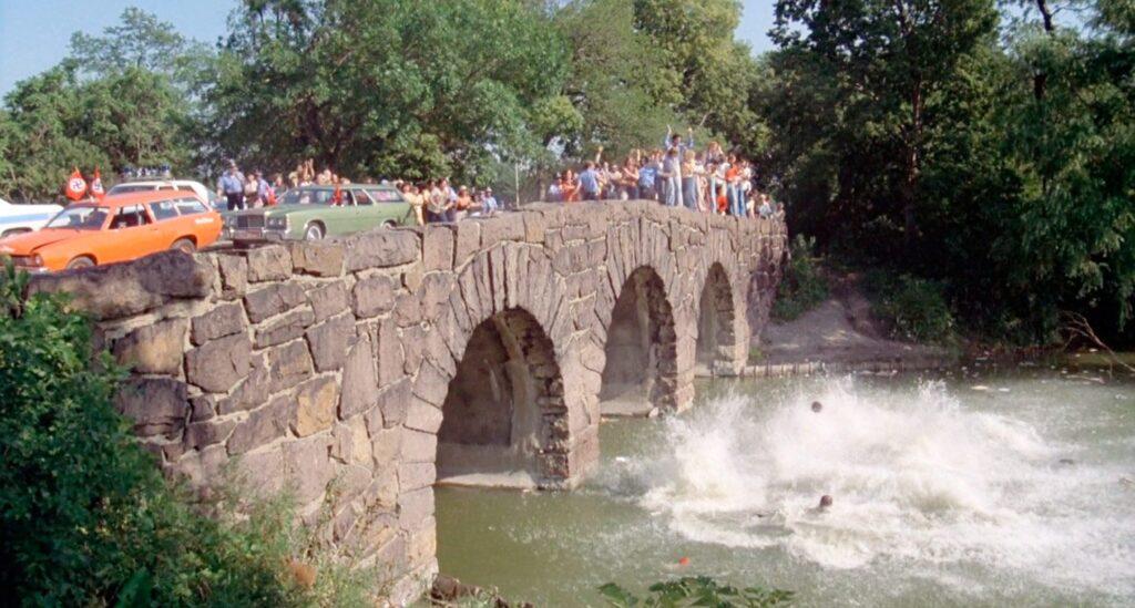 Il ponte sull'East Lagoon (Chicago) in un fotogramma tratto da The Blues Brothers
