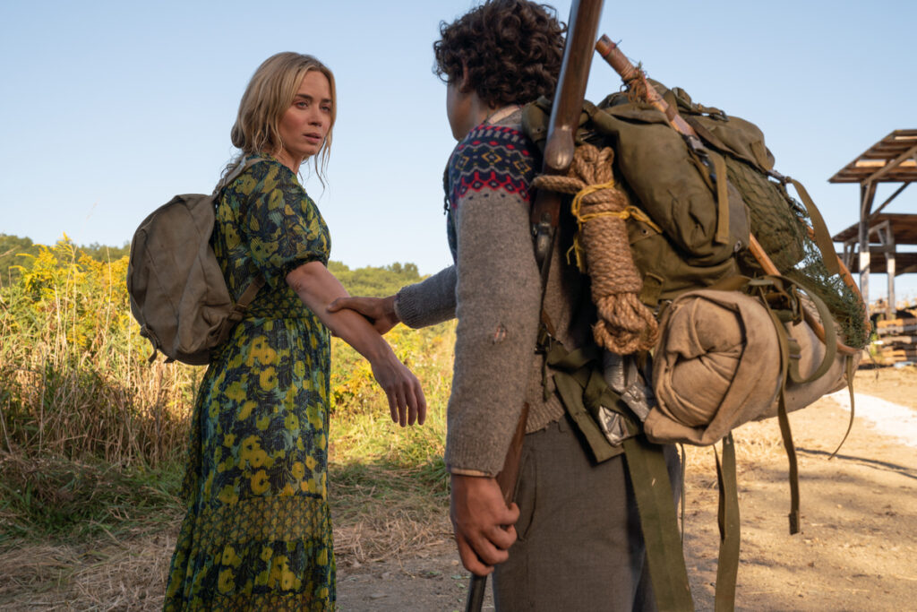 Emily-Blunt-e-Noah-Jupe-in-A-Quiet-Place-II-Credits-Eagle-Pictures