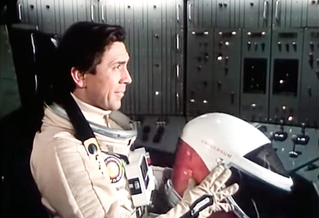 fantascienza umoristica anni '70: uno screenshot da Tomorrow I'll wake up and scald myself with tea (Jindřich Polák, 1977)