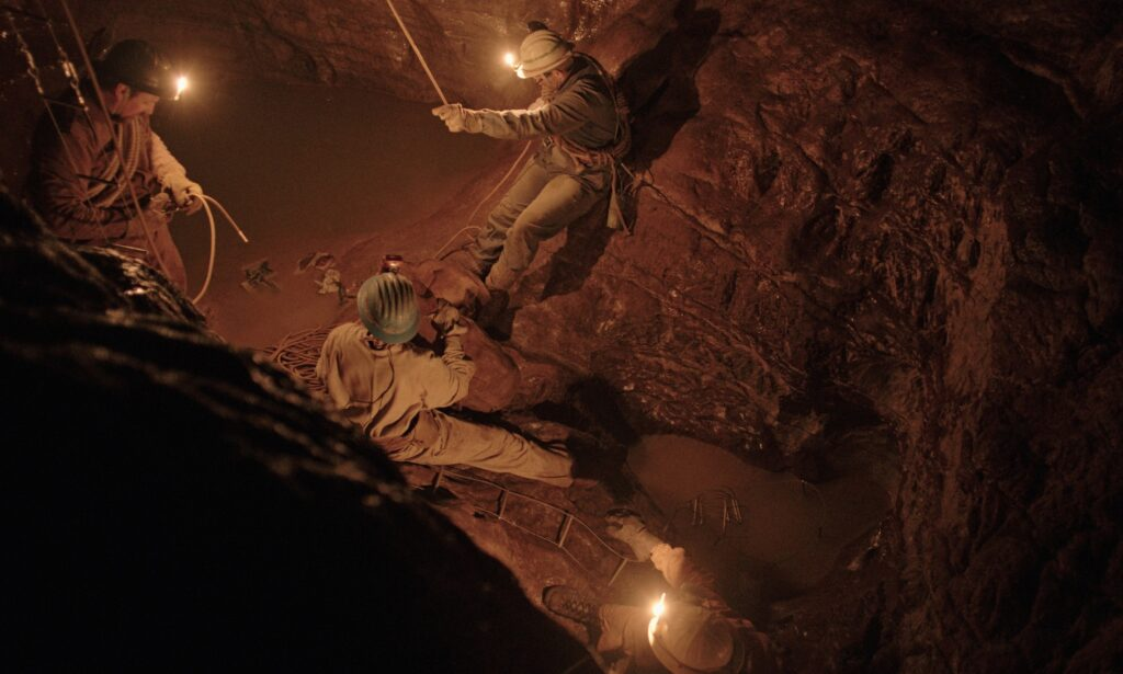 """Un'immagine de """"Il buco"""", di Michelangelo Frammartino."""